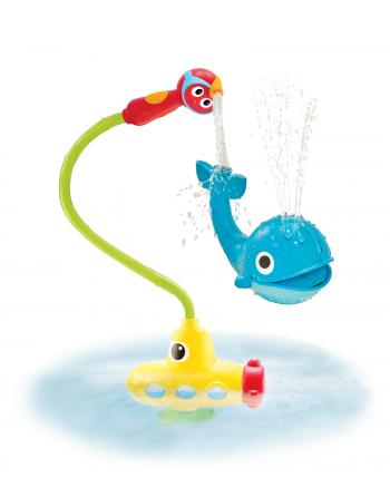 Wasserspiel U-Boot mit Wal